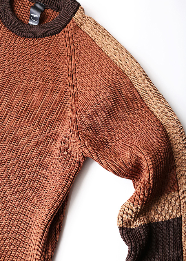 RIBBED SWICHING PULL-OVER