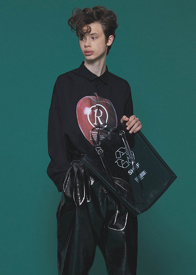 """APPLE R""  BIG SHIRTS/Black"