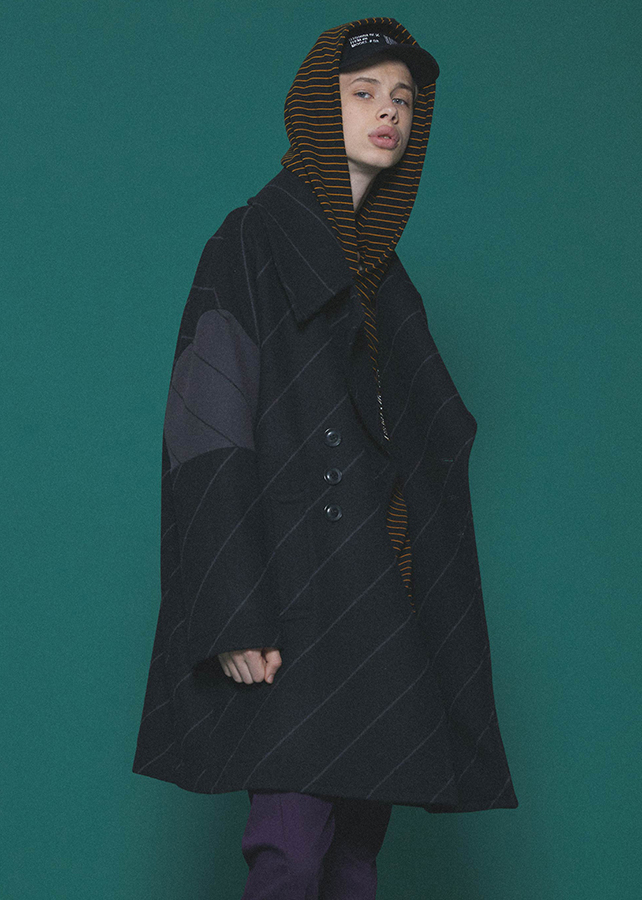 BIAS LINE BIG P-COAT/Black