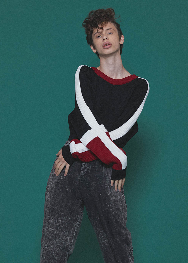RIBBED SWICHING PULL-OVER/Black