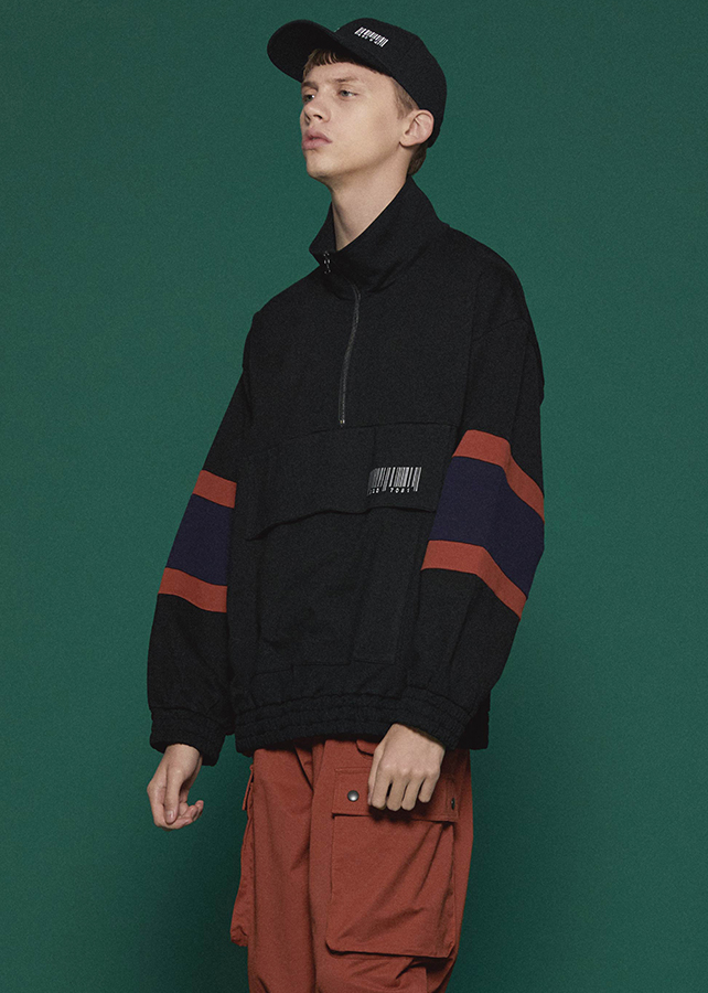 BIG POCKET HALF ZIP PO/Black
