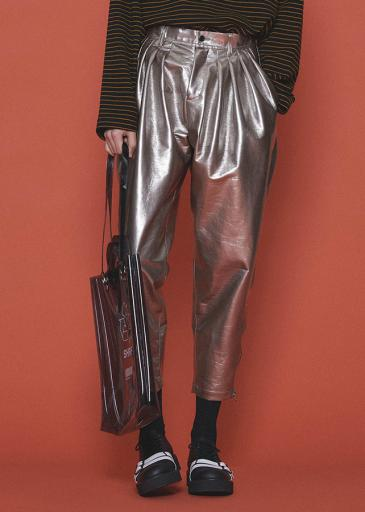 ENAMEL TAPERED PANTS/Silver
