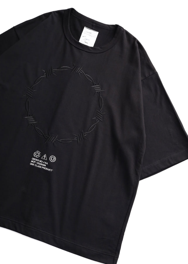 """BARBED WIRE""emb. S/S BIG T"